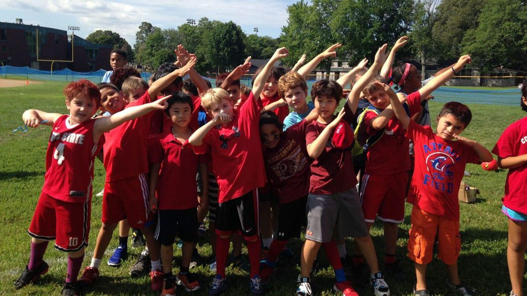 kids dabbing at summer camp